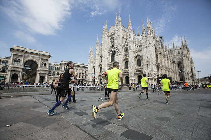 Participants compete during the Wings for Life World Run in Milano, Italy on May 8, 2016. // Damiano Levati for Wings for Life World Run // P-20160508-01185 // Usage for editorial use only // Please go to www.redbullcontentpool.com for further information. //